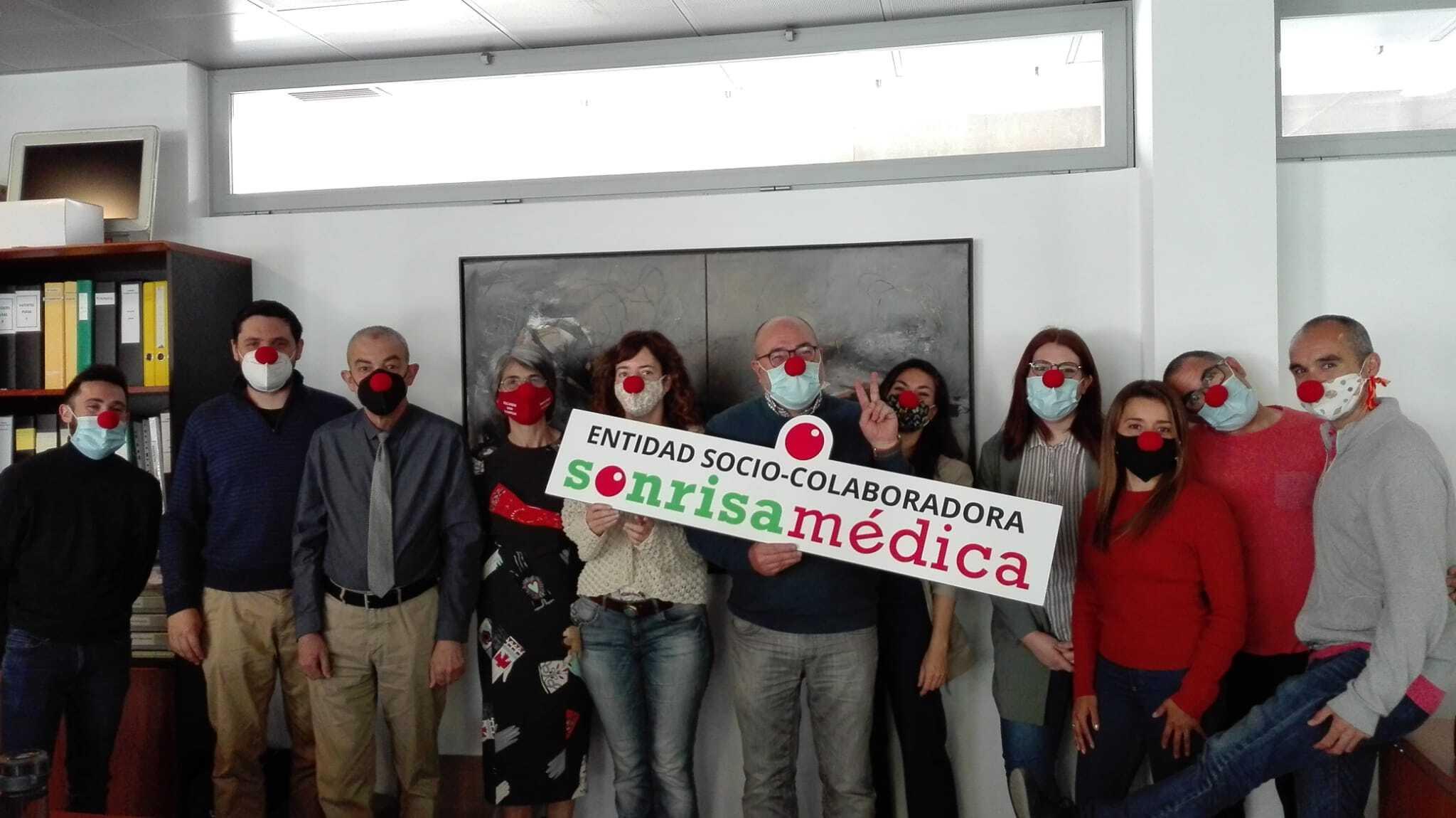El equipo de Laminar Pharma, con Sonrisa Médica.